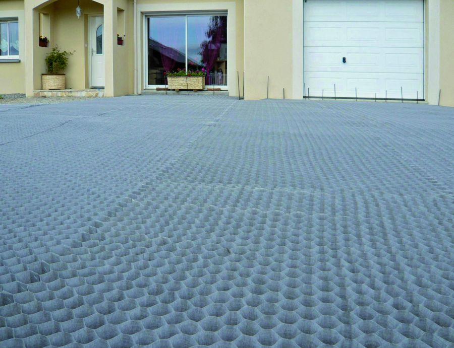 Dupont Groundgrid Gravel Guard 55mm X 50mm 10m2
