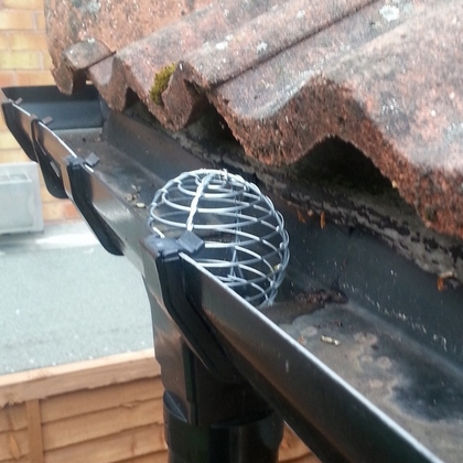 Galvanised 63mm Wire Balloon Leaf Guard For Gutters
