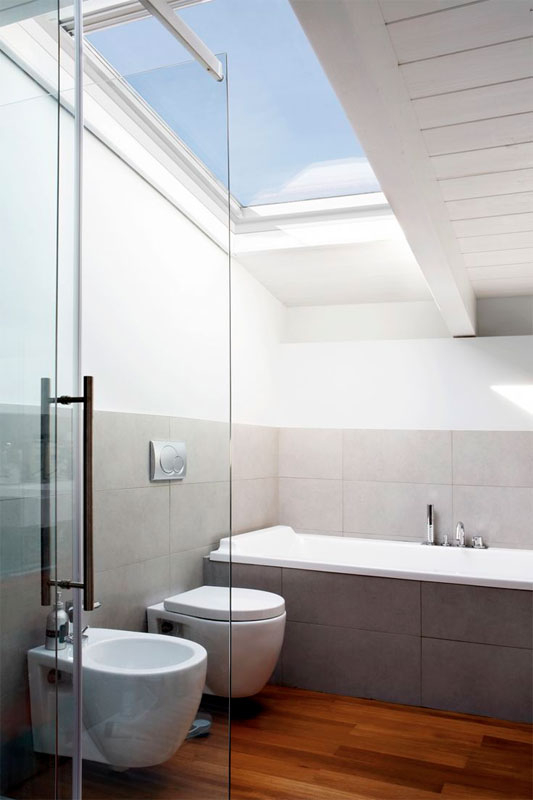 Bathroom Roof Window Velux Ggu Ck02 0034 With Obscure